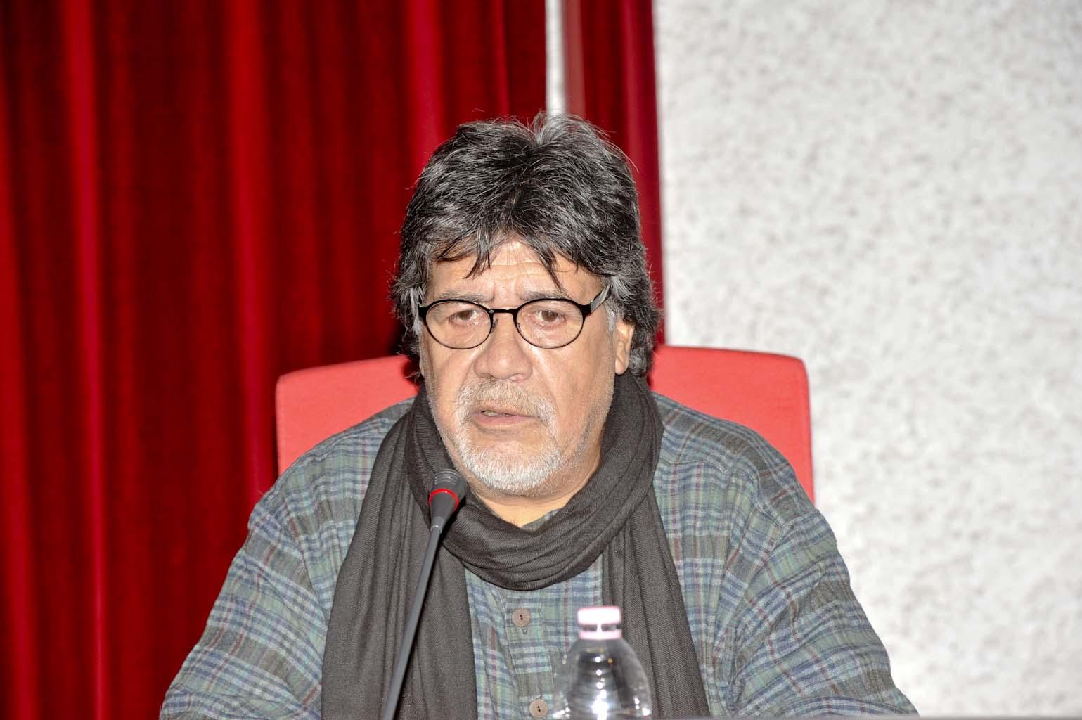 È morto Luis Sepúlveda, lo scrittore cileno si era ammalato di Covid-19